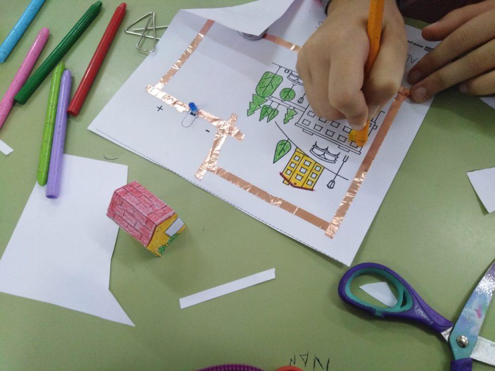 CIRCUITOS E LIBROS Na Biblioteca Escolar