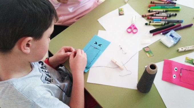 Biblioteca Creativa: E-téxtiles + Educación STEM